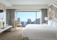 chidt_phototour212-King_Guest_Room_Chicago.jpg