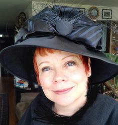 adele_in_vintage_hat.jpg